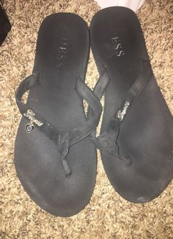 Guess sandals Thumbnail