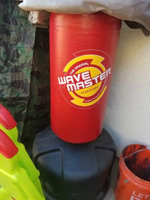 Wave master punching bag for Sale in Bakersfield, CA