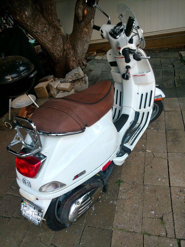 2008 vespa piagio scooter