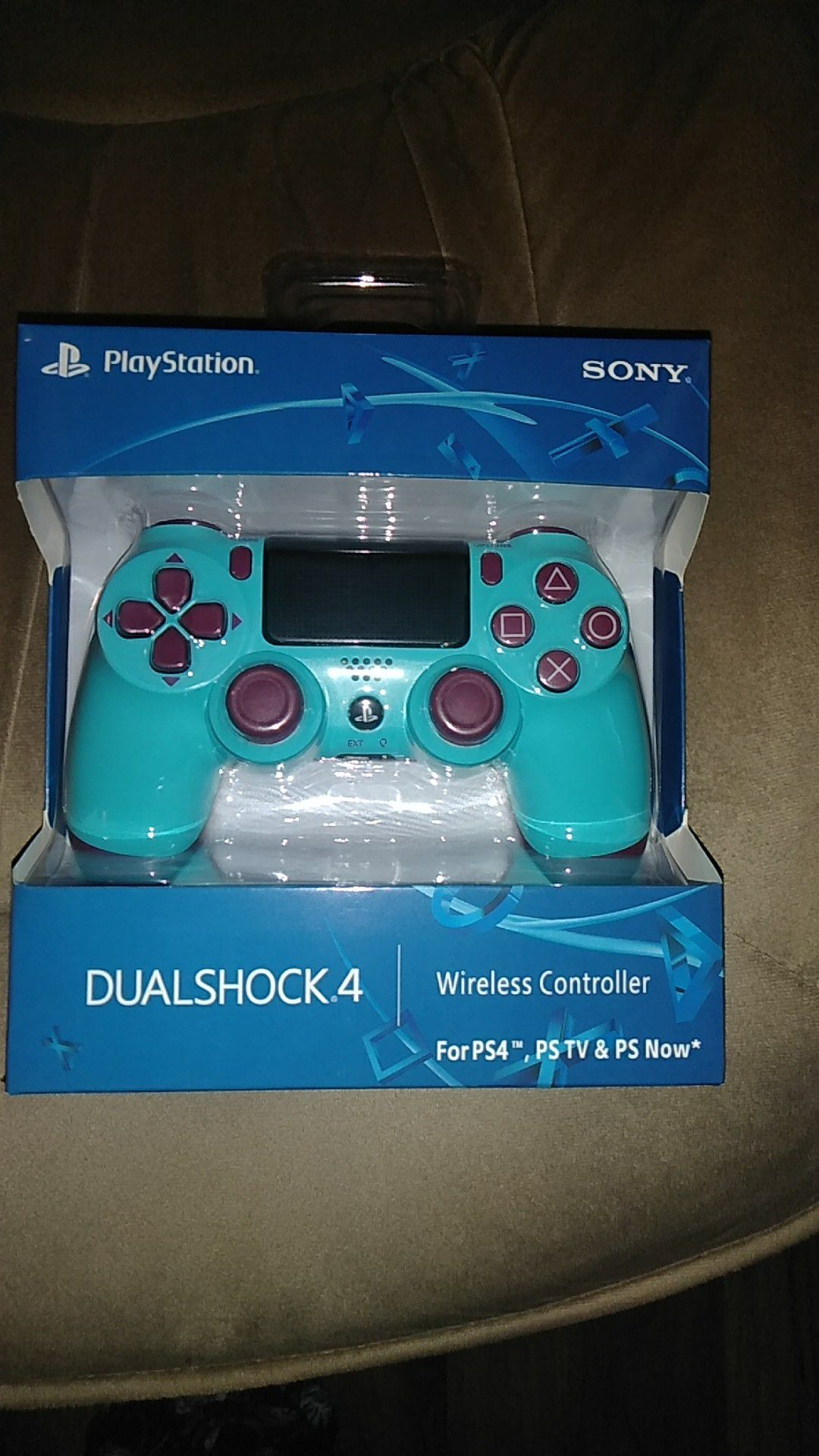 Berry blue PS4 controller Dualshock 4