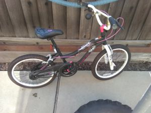 Magenta,black and white monster high girls bike either 18 or 20 inch, in good condition for Sale in Milpitas, CA