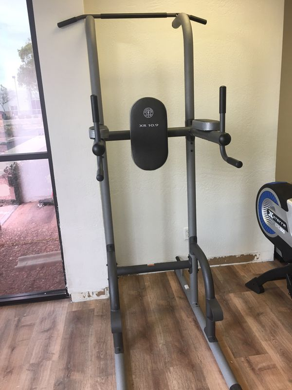 654f402e36c Gold s Gym XR 10.9 Power Tower with Push Up