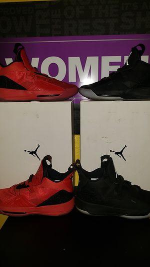 Photo 2 Pair of Nike Air Retro Jordan 33's