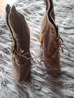 Steve madden leather boots size 8,5 for Sale in Brea, CA