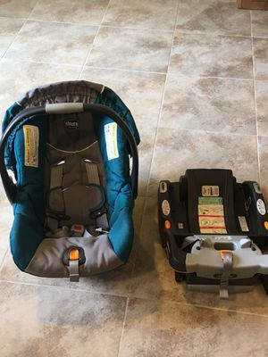 Chicco Bravo Keyfit 30 Infant car seat and Base for Sale in Great Falls, VA