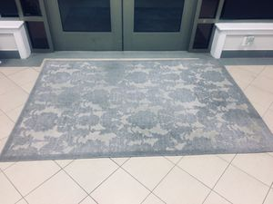 5x7 small area rug. Used for Sale in Fairfax, VA