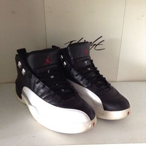 Jordan playoff 12 sz 9.5 8.5/10 cond for Sale in Fairfax, VA