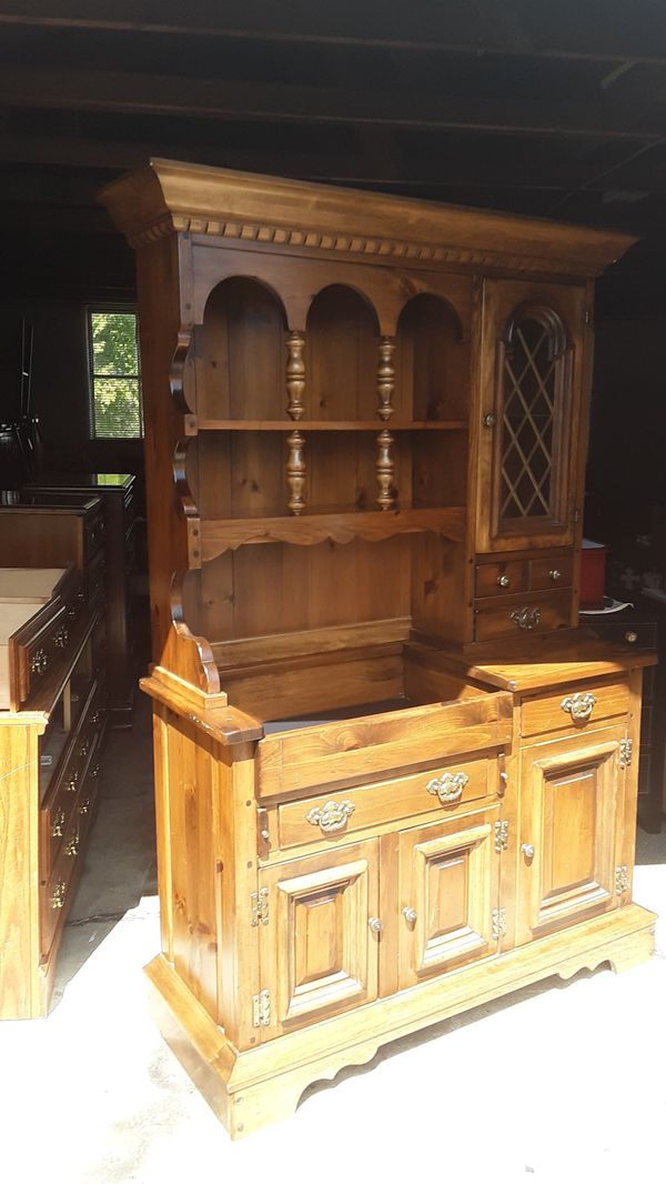 Pennsylvania House Hutch Dry Sink Made By Furniture Manor Excellent Condition