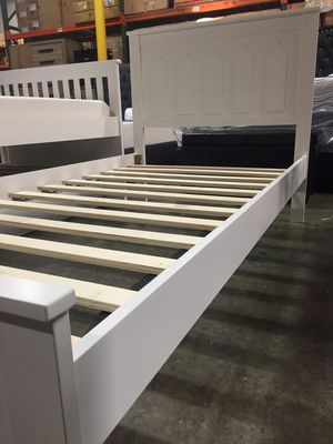 Photo TWIN SIZE Wood Platform Bed with Headboard / No Box Spring Needed / Wood Slat Support, White| 7582T-WH