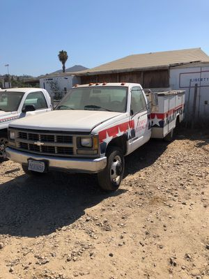 Chevy 3500 with a lift gate for Sale in San Diego, CA