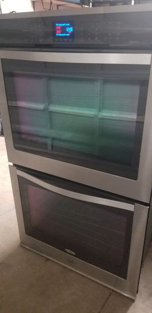 Photo Whirlpool stainless steel double oven and glass cooktop