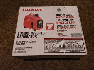 Photo Honda 1000-Watt Super Quiet Gasoline Powered Portable Inverter Generator with Eco-Throttle and Oil Alert