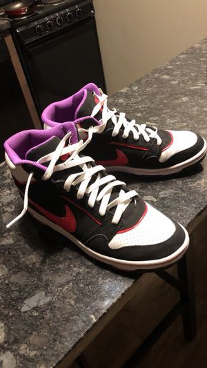 19bd864d090d New and Used Nike shoes for Sale in Champaign