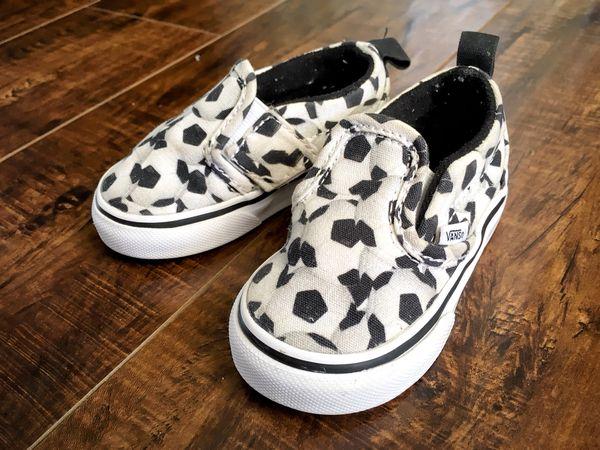 VANS Soccer ball print size 4 shoes • Girl boy slip ons • fútbol for Sale  ... efb5b3f5d