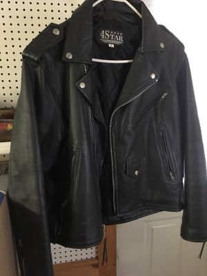 Men's LEATHER JACKET for Sale in Amelia Court House, VA