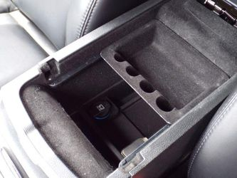 2014 Chrysler 300 Thumbnail