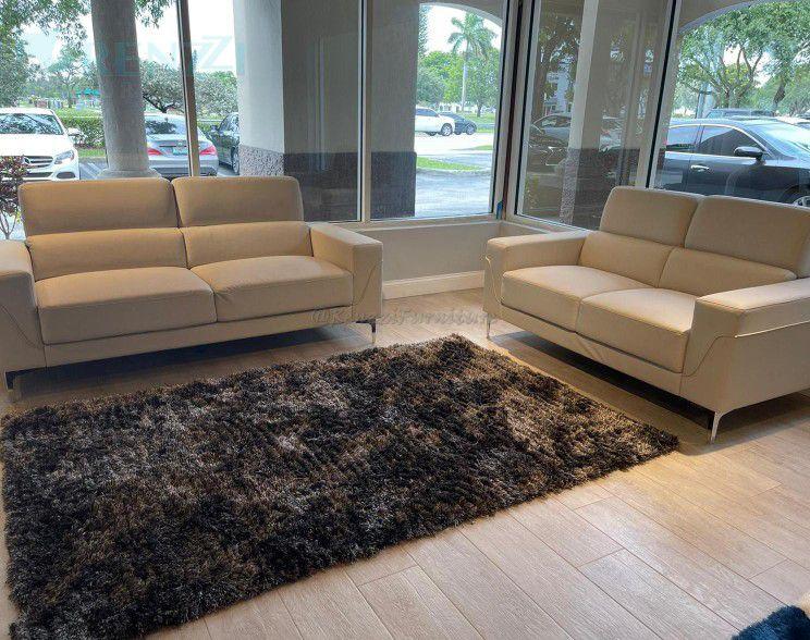 Sofa Set  °//  Financing Available