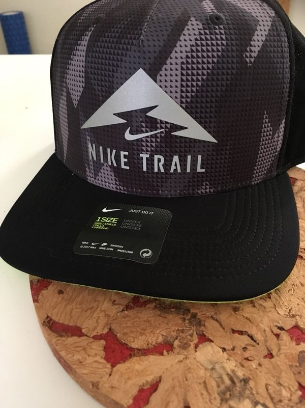 Nike Aerobill Trail Trucker Cap Snap Back for Sale in San Diego 9737299eb4a2