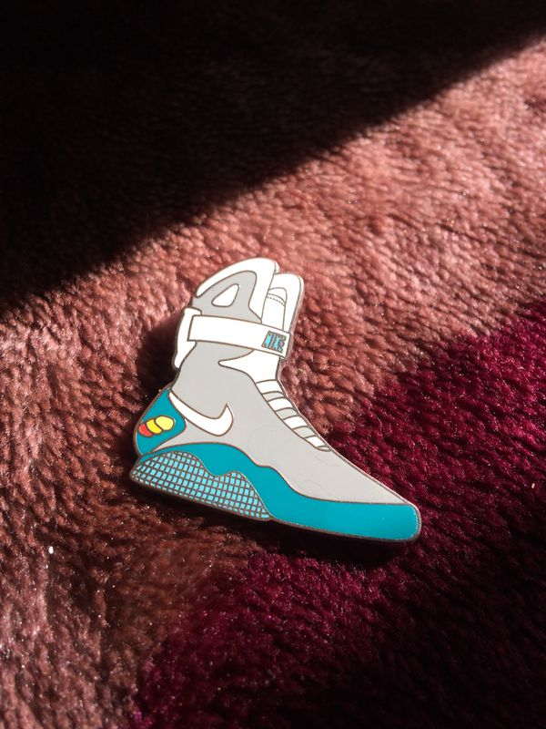 new product c70c5 2a597 Nike Official Air Mag Pin