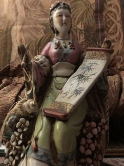 Antique Porcelain Geisha Thumbnail