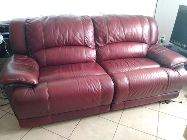 Two seat electric recliner sofa. for Sale in Sunrise, FL - OfferUp