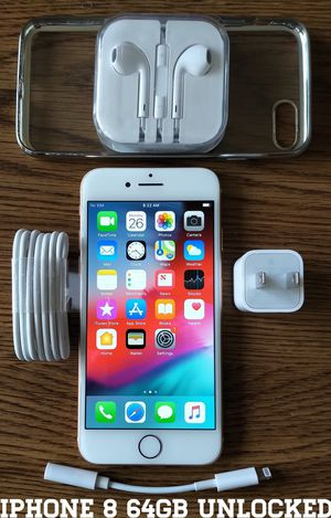 Gold Iphone 8 (4.7') UNLOCKED 64GB + Accessories for Sale in Falls Church, VA