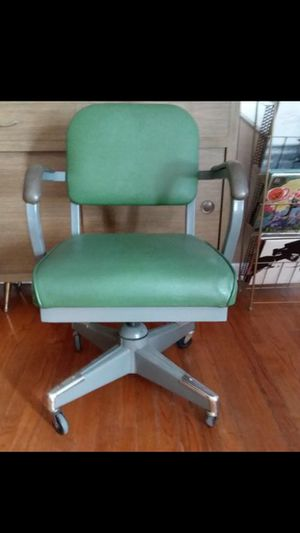 Mid century vintage industrial office chair for Sale in Orlando, FL