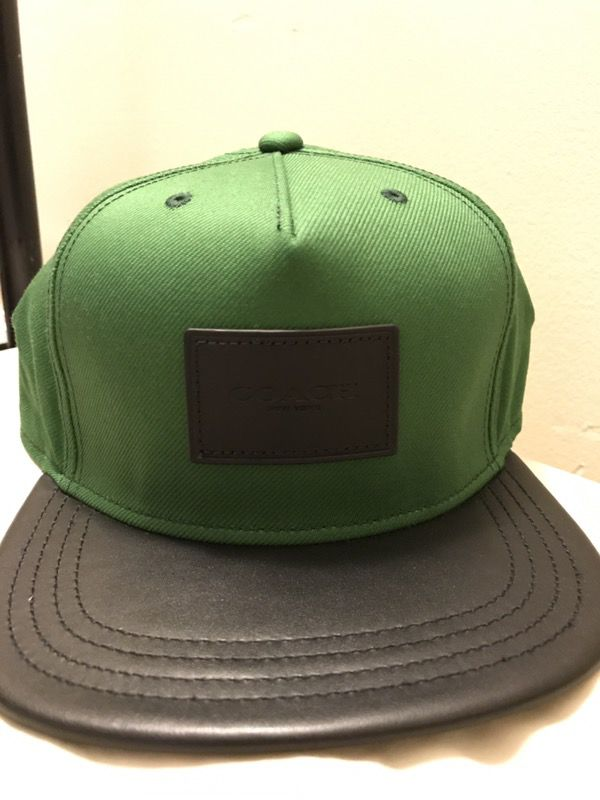 COACH MENS SNAPBACK HAT FLAT BRIMM  PINE GREEN Black Leather MSRP   85. 5210ed948df7
