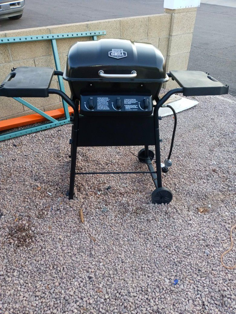 Char-Broil Propane BBQ