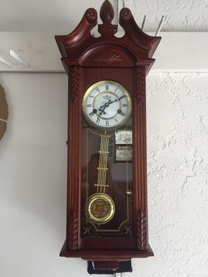 Beautiful Vintage Wall Clock for Sale in Boca Raton, FL