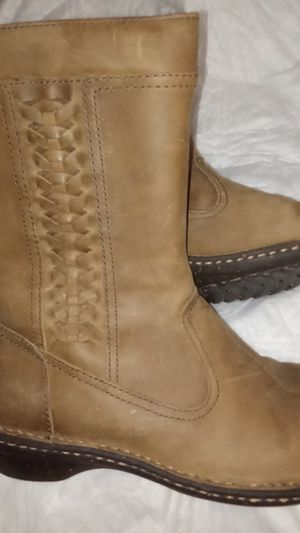36e5a3e8534 New and Used Ugg boots for Sale in Rosemead, CA - OfferUp
