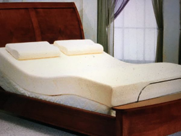 Brand New King Or Queen Tempur Pedic Brand Memory Foam Bed 400 For