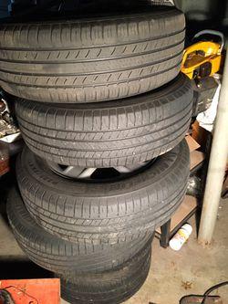 Toyota RAV4 Rims and Tires Thumbnail