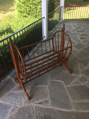 Antique Baby Crib for Sale in Sykesville, MD