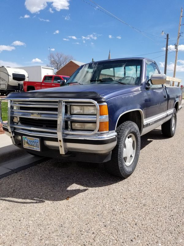 94 Chevy k1500 z71 350ci 4wd manual for Sale in Cheyenne, WY - OfferUp