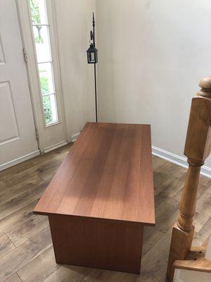 Coffee table for Sale in Leesburg, VA