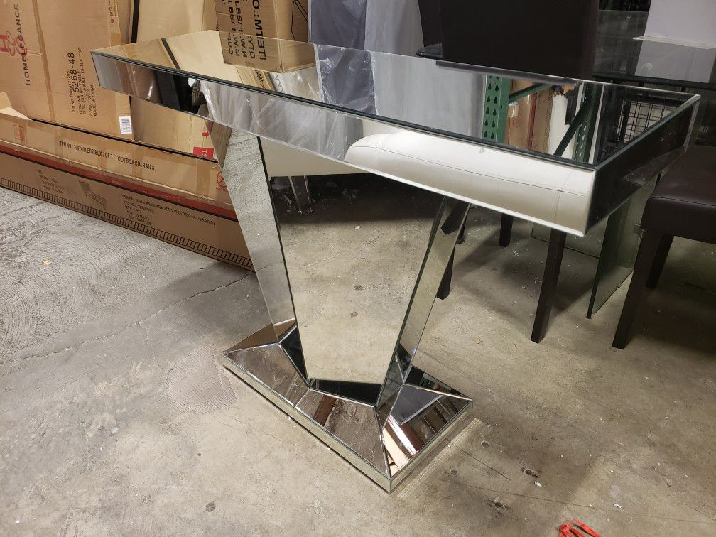 New silver accent table tax included