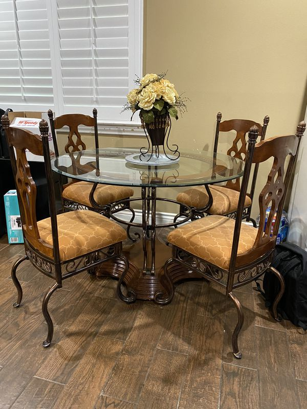 Dining table for Sale in Ontario, CA   OfferUp