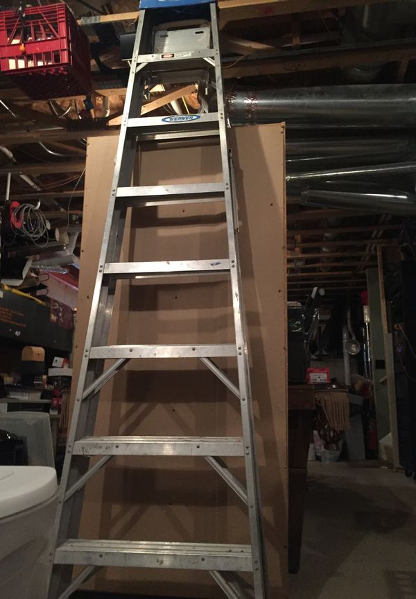 8 Ft Aluminum Step Ladder With 250 Lb Load Capacity Type I Duty Rating