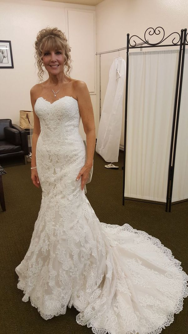 2017 Stella York Wedding Gown 32x24x34 Oyster In Color For Sale In