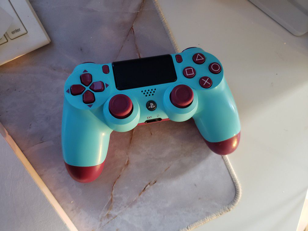 Berry Blue PS4 controller