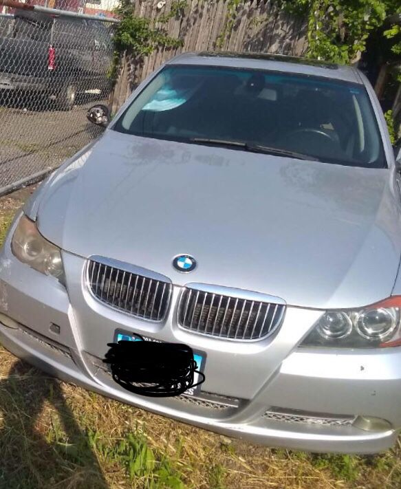 2006 BMW 330i(1,300) , 2005 BMW 325i (Just For Parts