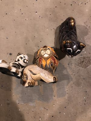 three cat statues collectibles for Sale in Chandler, AZ