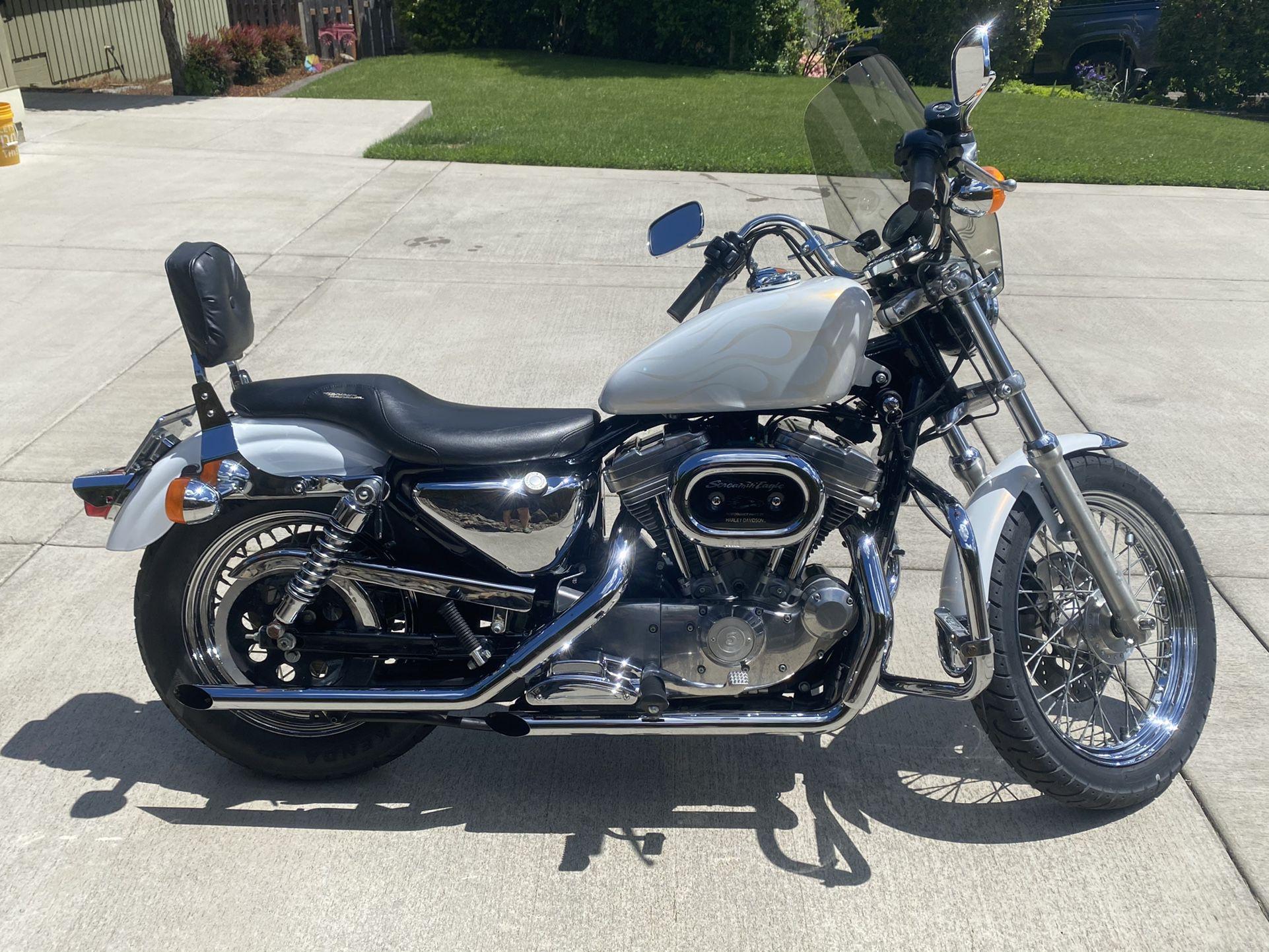 Photo 1998 Harley Davidson XL 883 Sportster