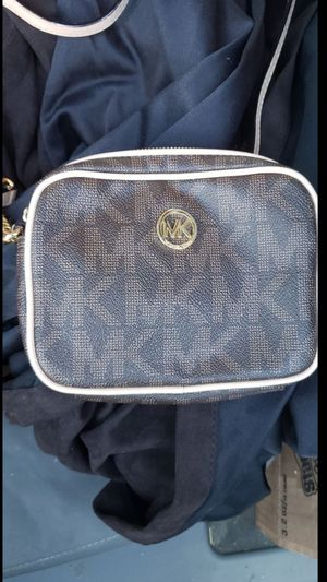 Michael kors jet set crossbody for Sale in Richmond, VA