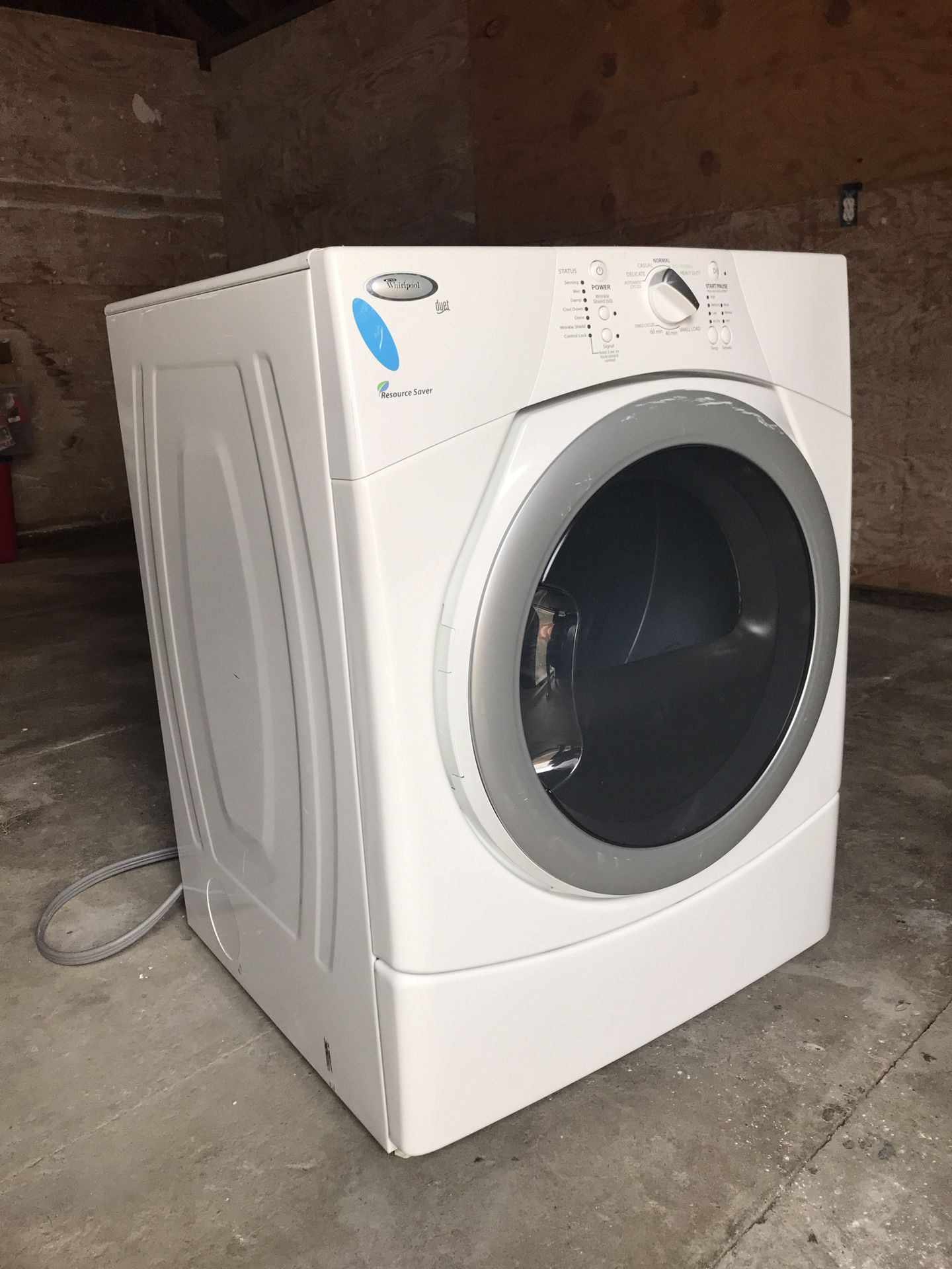 Whirlpool dryer electric $150 everything works, lint needs to be cleaned out