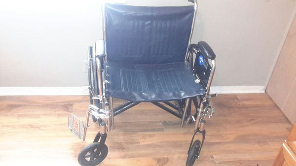 Extra large wheelchair, good condition for Sale in Austin, TX - OfferUp