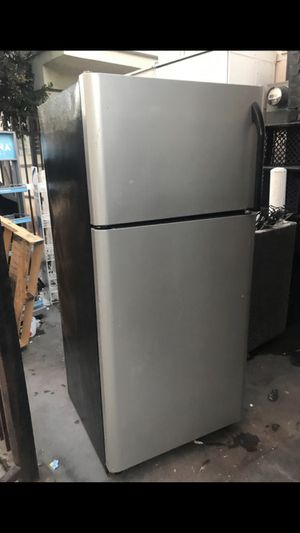 Kenmore frig for Sale in Los Angeles, CA