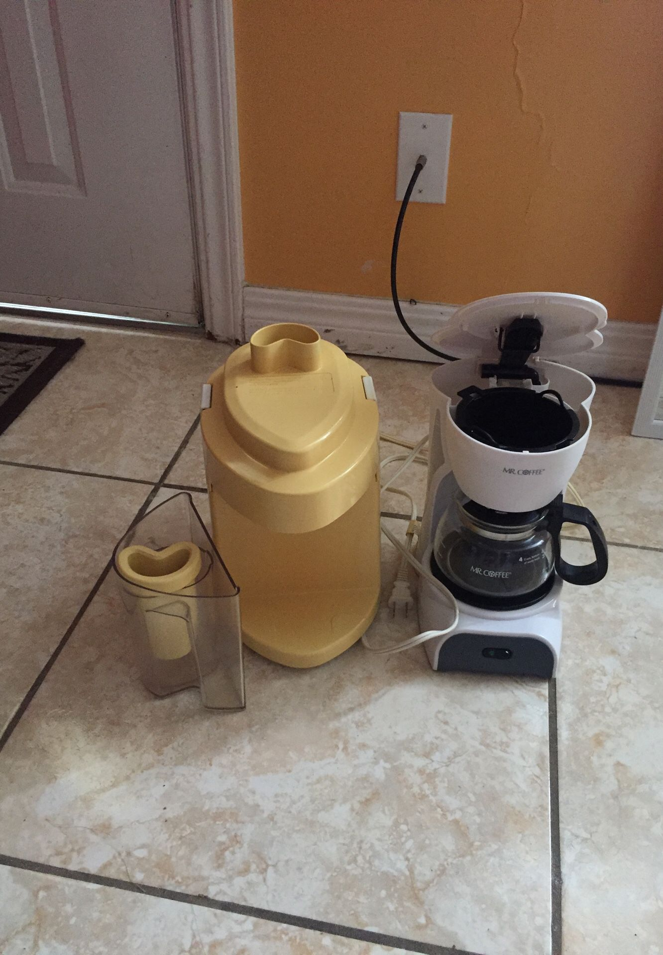 Extractor and cofre maker