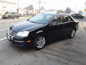 2007 VW JETTA FOR SALE EXELLENT CONDITION LOW MILES 090.K MILES LEATHER SEATS SUNRROF SUPER CLEAN IN AND OUT for Sale in San Leandro, CA